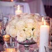 A gorgeous wedding centrepiece with Mondial roses.