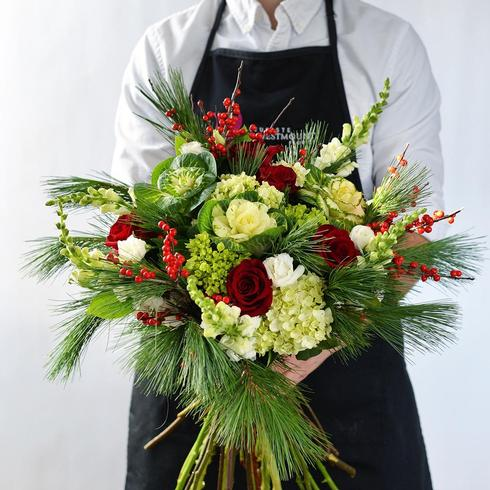 Holiday Handtied Bouquet2